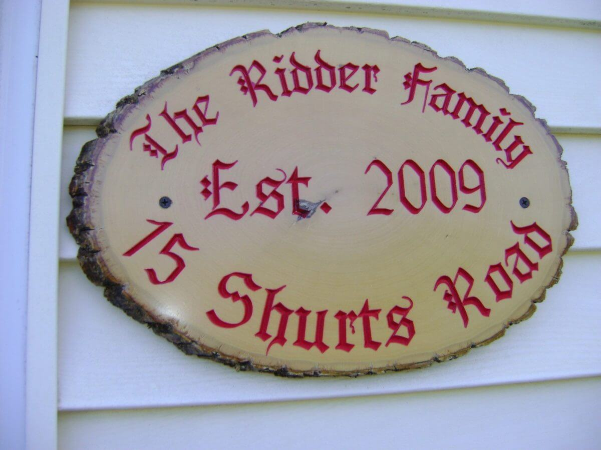 Home Sign Address Family Road Natural Wood Carved Painted Round Edge Red Paint Gift